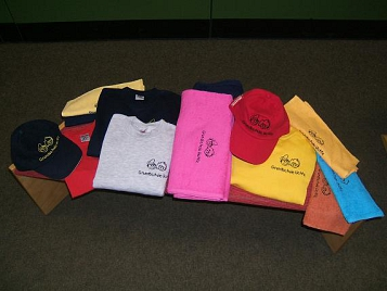 T-Shirts, Sweat-Shirts, Caps mit Logo